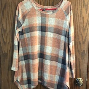 Tunic sweater like material. Pretty colors